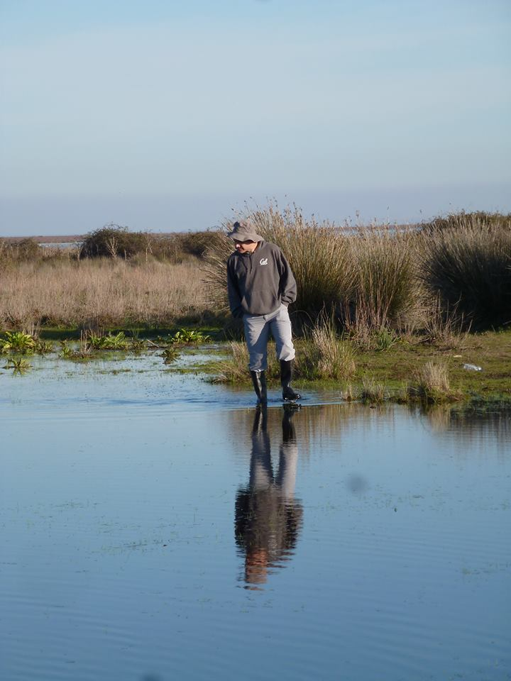 De muestreo en una laguna de Doñana. Foto Carmen Díaz Paniagua