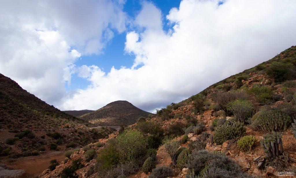 Valles y montes típicos del interior de Sidi Ifni.